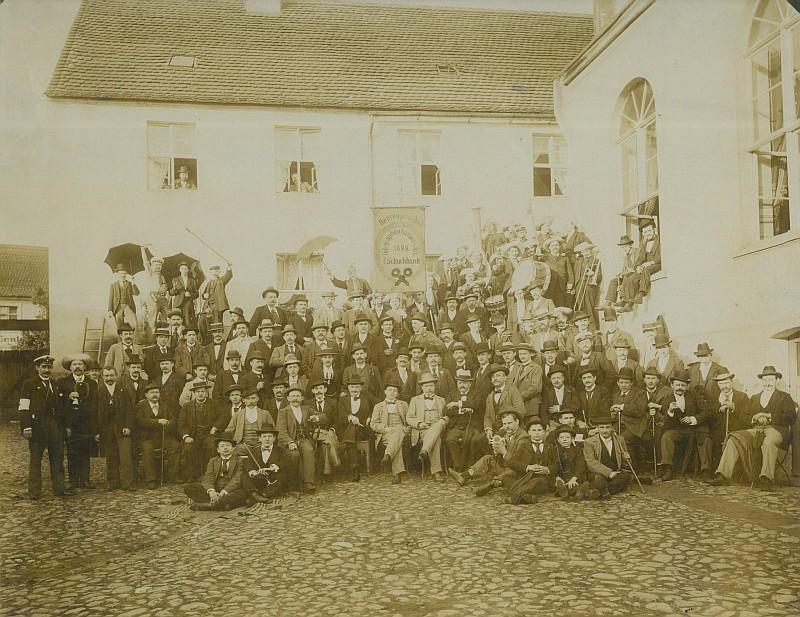 """""""Herrenparthie"""" der Ferdinand Schuchhardt AG 1899 (BBWA)"""