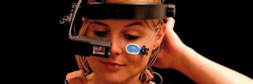 Mädchen mit Datenbrille: Boekamp und Kriegsheim GmbH/DASA