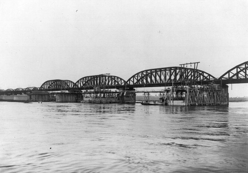 Bau der Havelbrücke in Rathenow 1925 (Holzmann-Bildarchiv / Hauptverband der Deutschen Bauindustrie e.V., BBWA U 5/3/187)