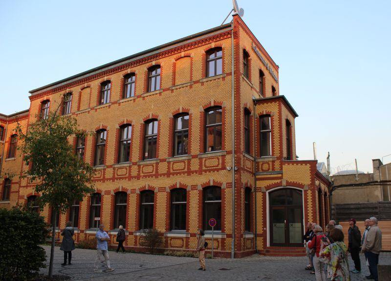 Auf dem Hof der alten Schraubenfabrik, heute Lohmann & Birkner (Foto: BBWA/BB)